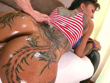 Bella Bellz gets her huge oiled backside reamed in doggystyle