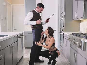 Keisha Grey meets wife coach Charles Dera and gets taught giving blowjob