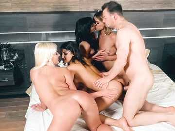 Hot sluts Arian Joy,Suzy Rainbow,Lara West and Daisy Lee please a lucky guy