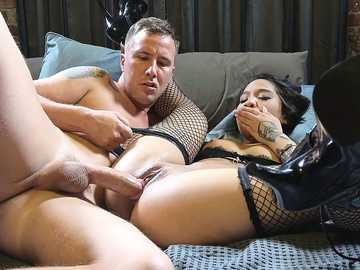 Asian hottie Honey Gold takes part in wonderful gonzo porn action