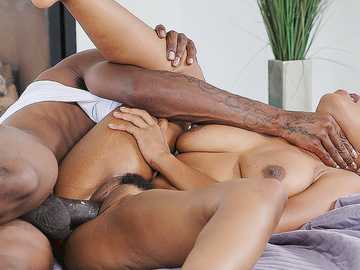 Drop-dead-gorgeous Ebony Jenna Foxx craves big black cock for her juicy twat