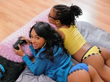 Anya Ivy and Kira Noir: Ebony Three Player Game