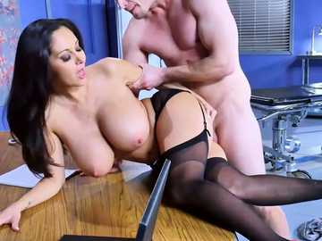 Nasty doctor Ava Addams rubs her cunt over Bill's famished bone