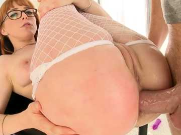 Red-headed girl in glasses Penny Pax spreads her ass cheeks wide in anal session