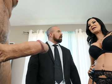 Jasmine Jae cheats on her spouse with his friend as a punishment for bad behavior