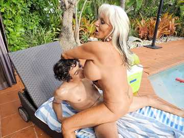 Mature bitch with huge boobs Sally D'Angelo takes teen dick by the pool