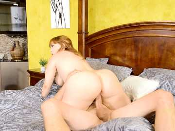 Horny womanizer drills trimmed pussy of curvaceous Summer Hart on the bed