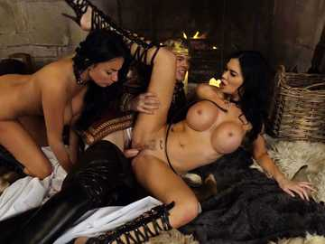 Two brunettes Anissa Kate and Jasmine Jae showing their fucking skills in kings orgy