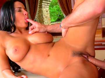 Deep pussy licking in missionary position and hardcore fuck for Anissa Kate