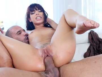 Gorgeous latina Gina Valentina loves fucking black meat
