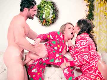 Christmas morning anal fucking with Allie Haze and Harley Jade busty dolls