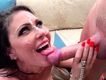 Jessica Jaymes wants her perfect shaved cunt banged by her masseur Keiran