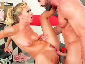 Big-dicked stud Charles and naked babe Natalia Starr fuck in 50's style porn movie