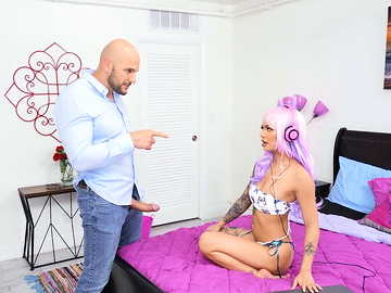 Hung stepdad's playful daughter Paisley Paige is great at sucking cock