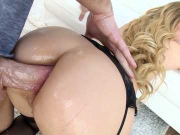 Big ass in oil gets rammed doggy style when Lyra Law meets Mike Adriano