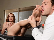 Diamond Foxxx has injured her ankle and can barely walk. Dr. Ryder gives her a full physical, ...