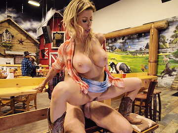 Stud spots a sexy country chick Alexis Fawx and gets off with her publicly