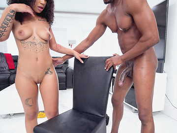Exotic curly whore The Lovely Luna gets her vagina nailed with BBC after blowjob