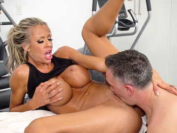 Cheating wife Courtney Taylor lets masseur Keiran fuck her throat in gym